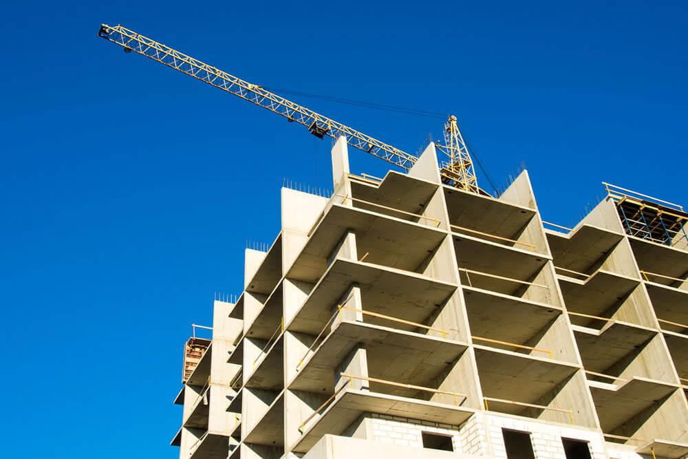 Как выгодно купить квартиру в новостройке?